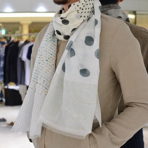 巻物で気品を感じる演出を<BR>PIERRE LOUIS MASCIA(ピエール ルイ マシア) ストール6型・スカーフ2型