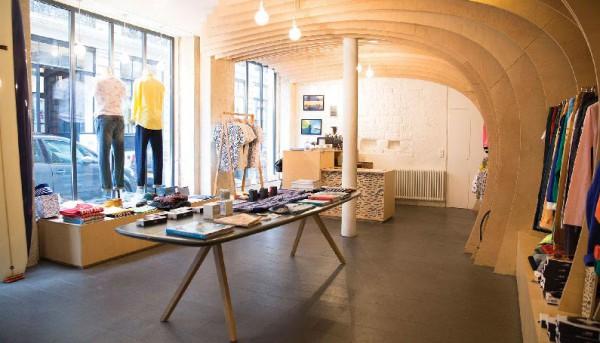 surfの冬は?<BR>CUISSE DE GRENOUILLE(キュイス ドゥ グルヌイユ ) ケーブル編みクルーネックニット・チェックボタンダウンシャツ・キャンドル2型