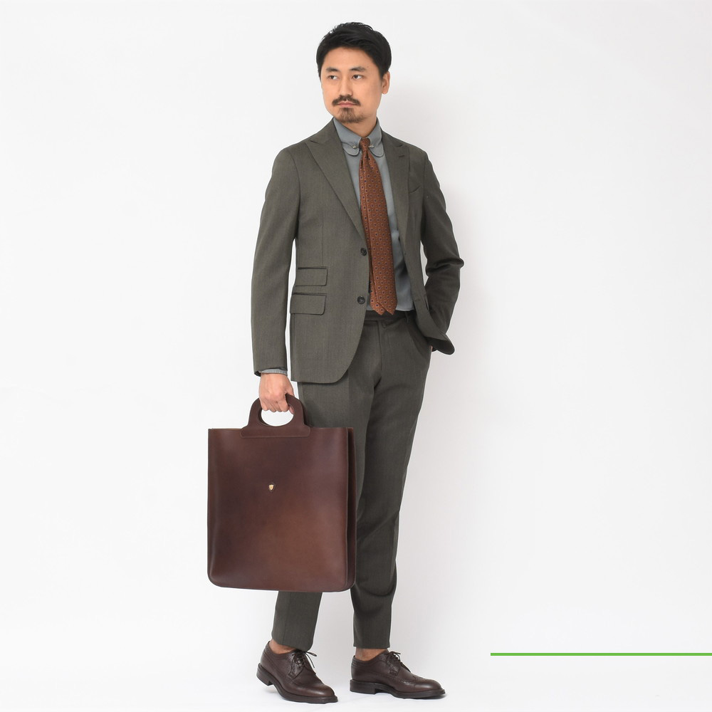捉われないエレガント<BR>THE GIGI(ザ ジジ)スーツ2型