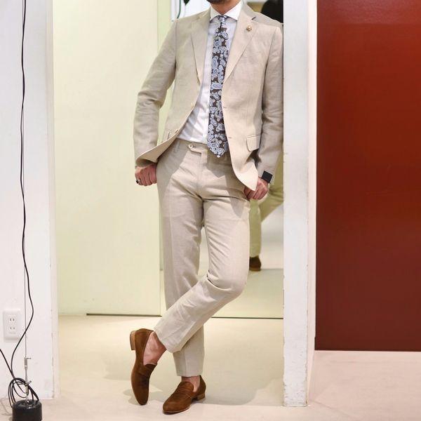 ソリッドスーツでお洒落を楽しむ贅沢。<BR>LARDINI(ラルディーニ) スーツ2型+1型