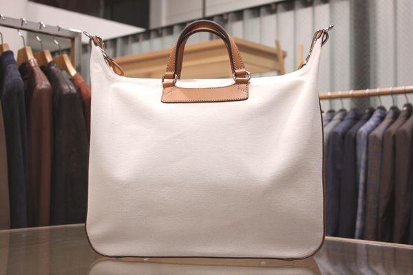 新ブランドは既に超有名な・・・<BR>Daniel&#038;Bob(ダニエル&ボブ) バッグ4型