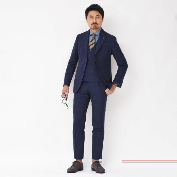 """スーツ素材の一大トレンドは""""ミリタリー""""<BR>GABRIELLE PASINI(ガブリエレ パジーニ) JETSETスリーピーススーツ"""