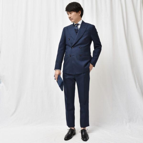 ファンタスティックな逸品です!<BR>PAIDEIA(パイデア)スーツ3型