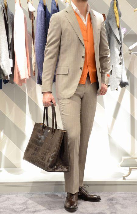 世界のエグゼクティヴはISAIA(イザイア)のパワフルルッキングな毛芯スーツに心酔。<BR>GREGORY(グレゴリー)スーツ